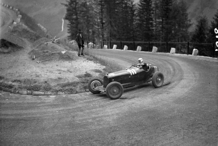 Mario Tadini driving to victory in his Alfa Romeo P3.