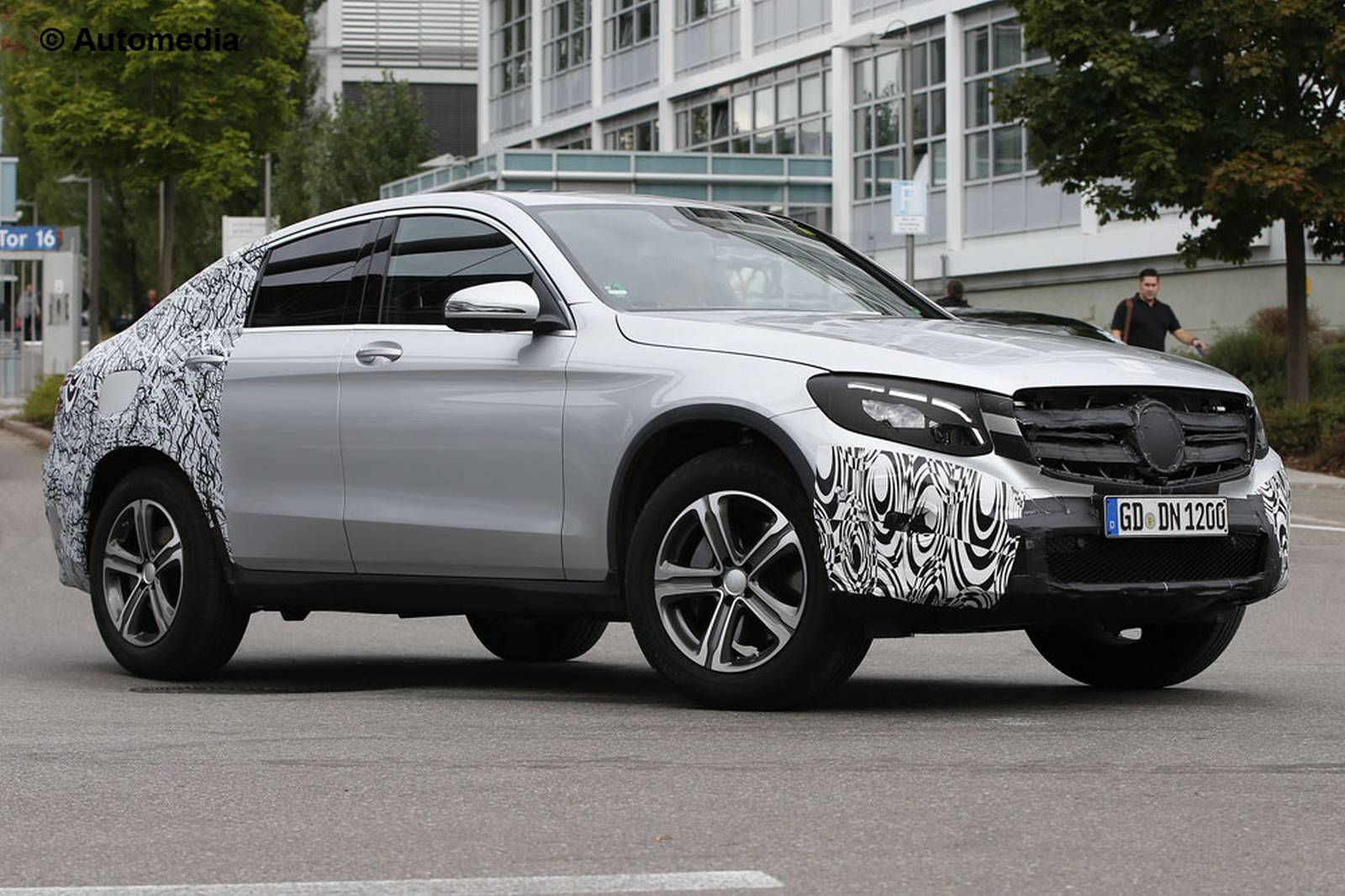 2017 mercedes benz glc coupe spy shots emerge gtspirit. Black Bedroom Furniture Sets. Home Design Ideas