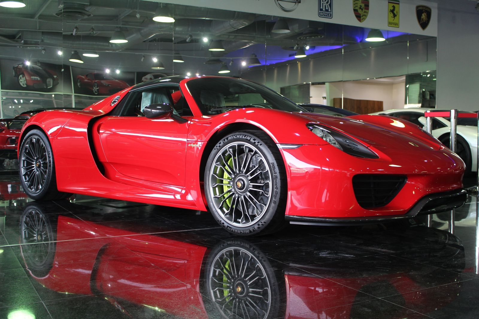 bright red porsche 918 spyder for sale in dubai gtspirit. Black Bedroom Furniture Sets. Home Design Ideas