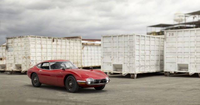 Toyota 2000GT auction fronot