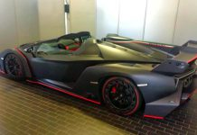 Matte carbon Lamborghini Veneno Roadster side
