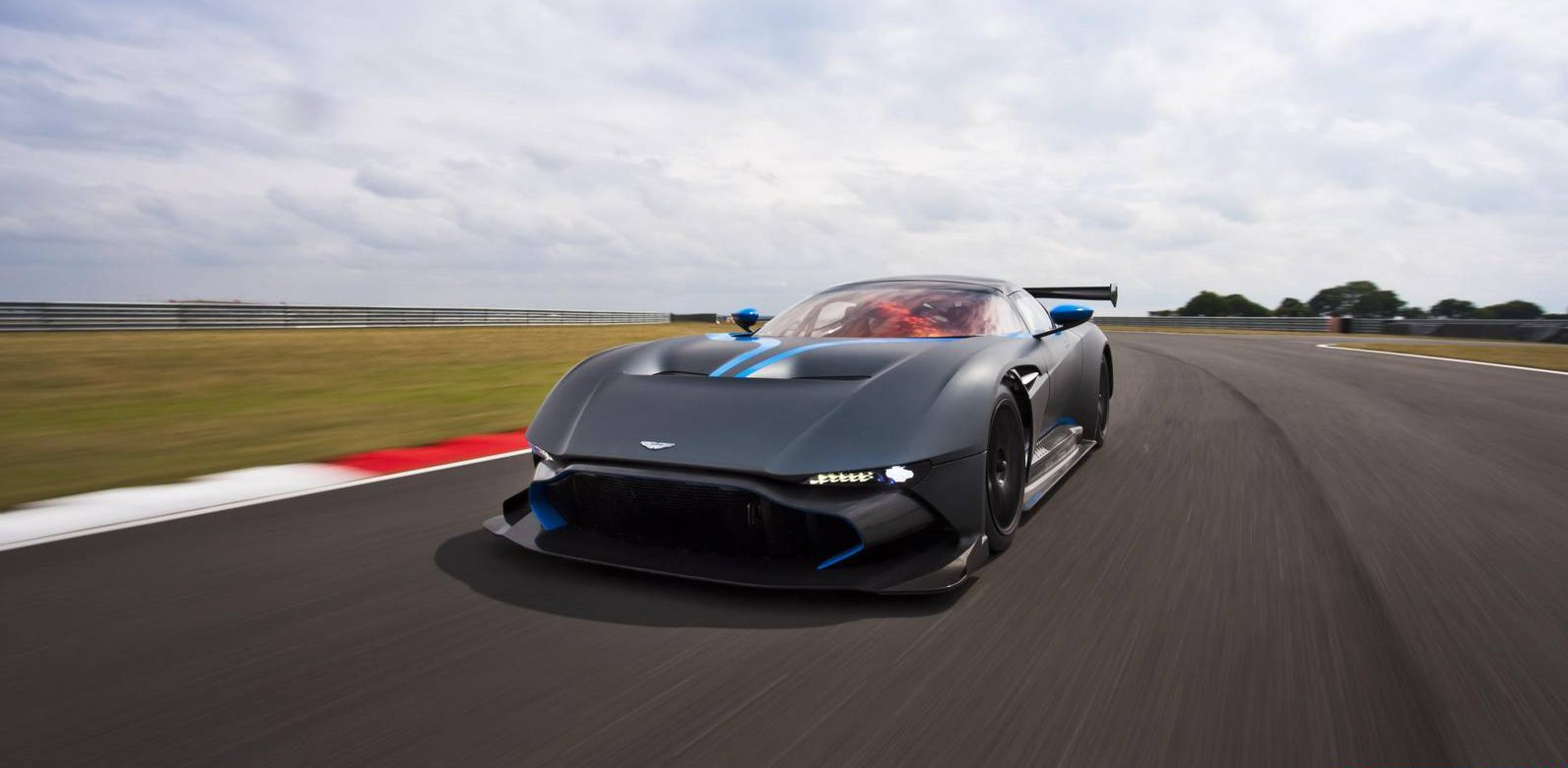 First Impression: Aston Martin Vulcan