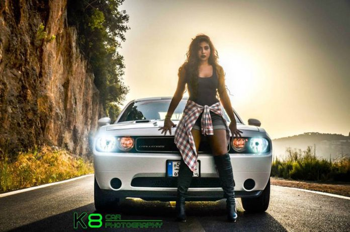 cars-and-girls-dodge-challenger-6