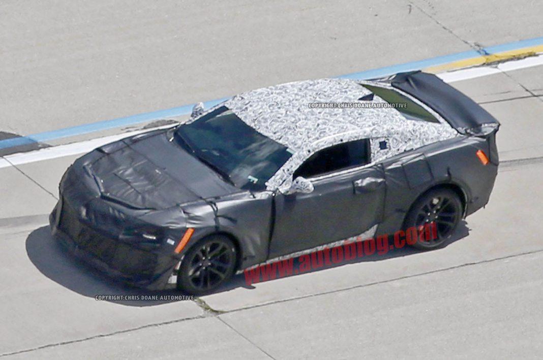 Chevrolet Camaro ZL1 spied testing