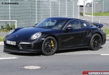 2016 Porsche 911 Turbo spy shot front