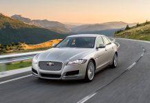 Jaguar XF 3.0d Portfolio driving
