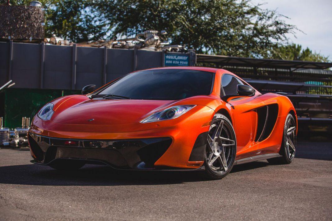 Vivid Racing McLaren 12C