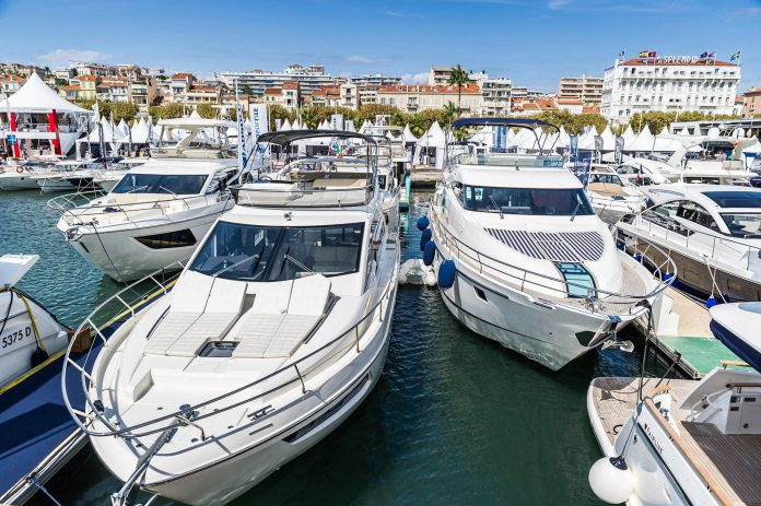 2015 Cannes Yachting Festival boats