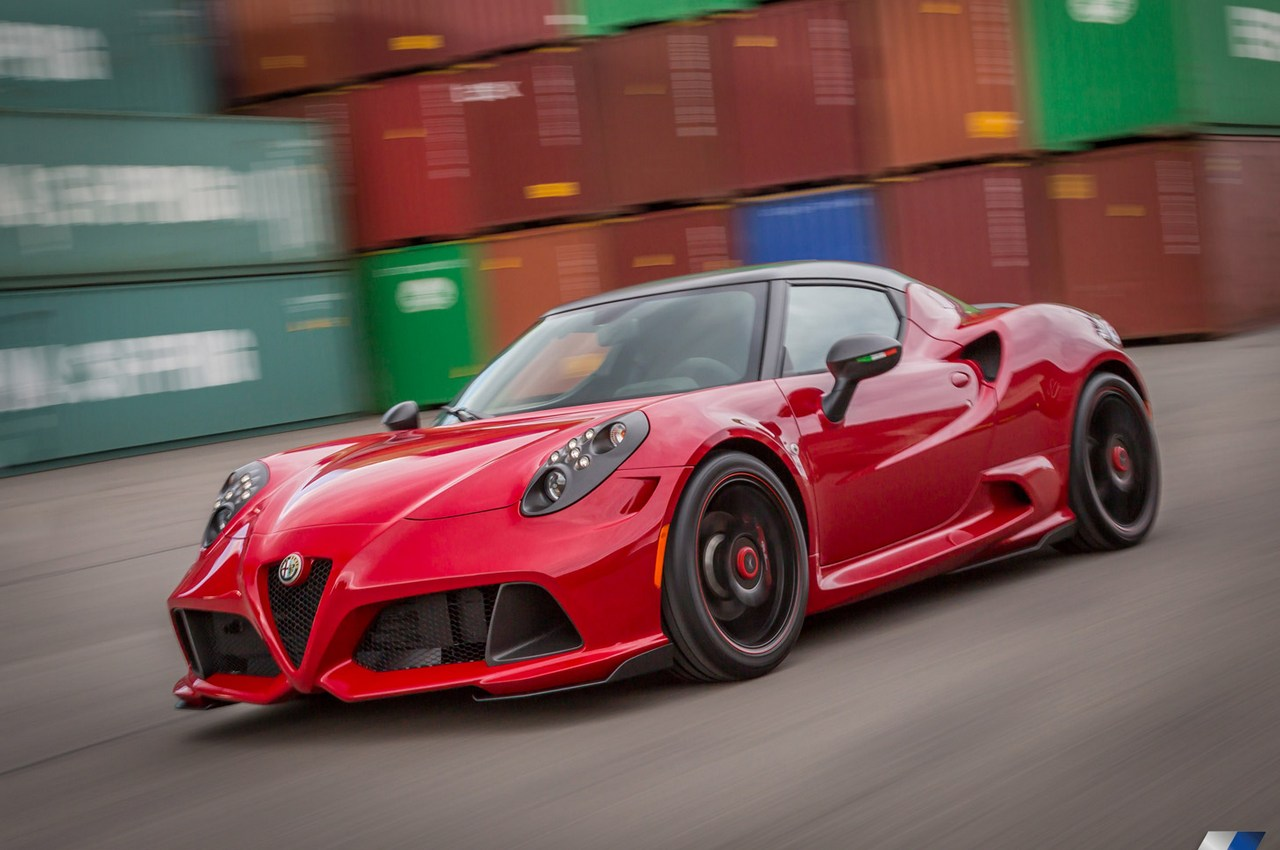 crazy alfa romeo 4c by zender italia gtspirit. Black Bedroom Furniture Sets. Home Design Ideas