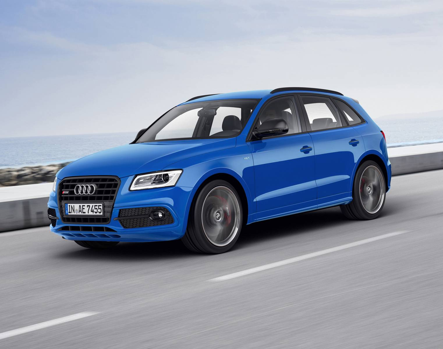 official 2016 audi sq5 tdi plus gtspirit. Black Bedroom Furniture Sets. Home Design Ideas
