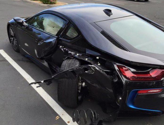BMW i8 crash2