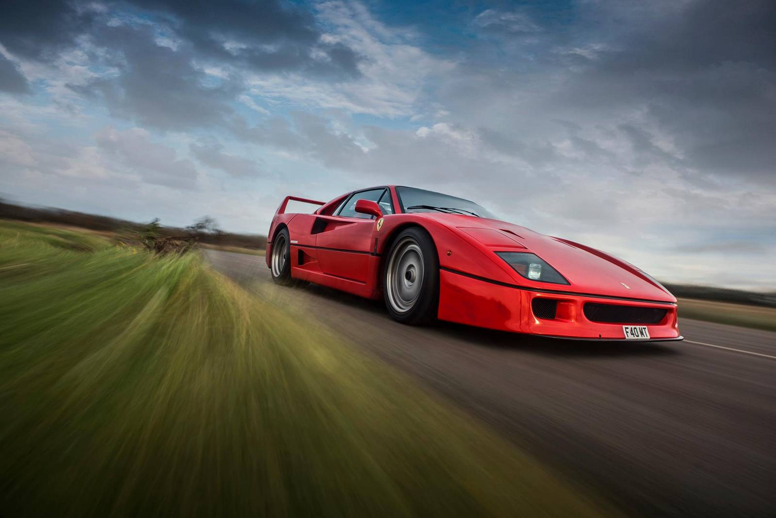 photo of the day stunning ferrari f40 gtspirit. Black Bedroom Furniture Sets. Home Design Ideas
