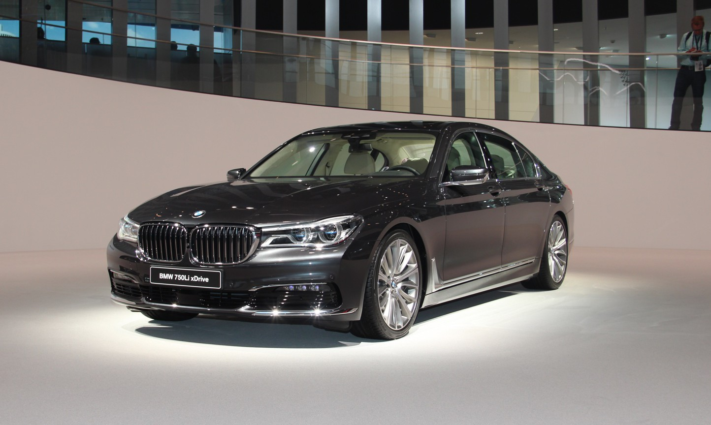 Frankfurt BMW 7-Series front
