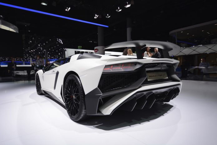 Lamborghini Aventador SV Roadster rear