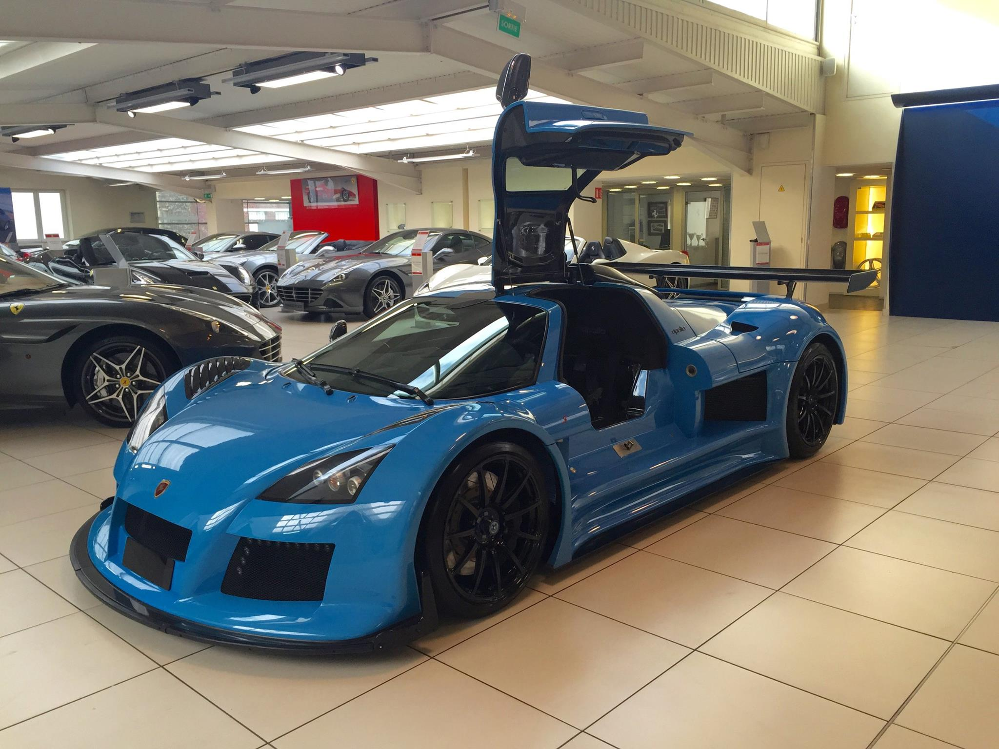 blue gumpert apollo s for sale in france gtspirit. Black Bedroom Furniture Sets. Home Design Ideas
