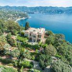 Italian villa for sale outside