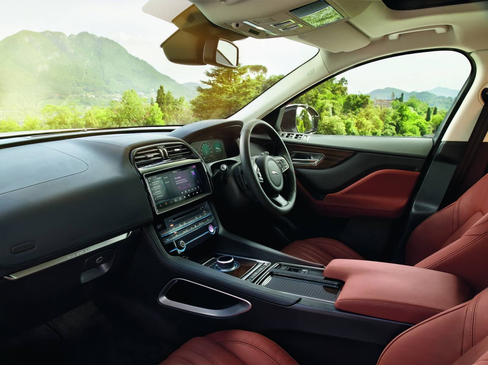 2016 Jaguar F-PACE interior