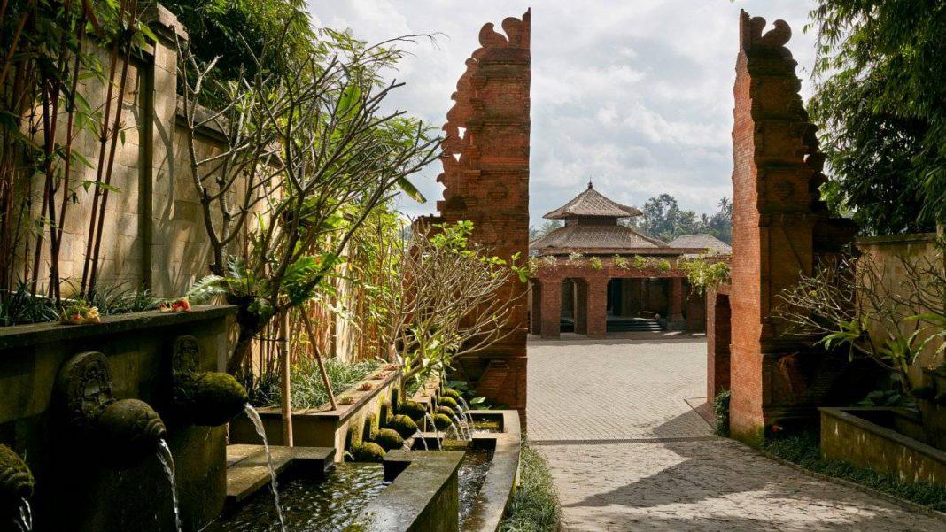 Mandapa Gate Ritz Carlton Bali