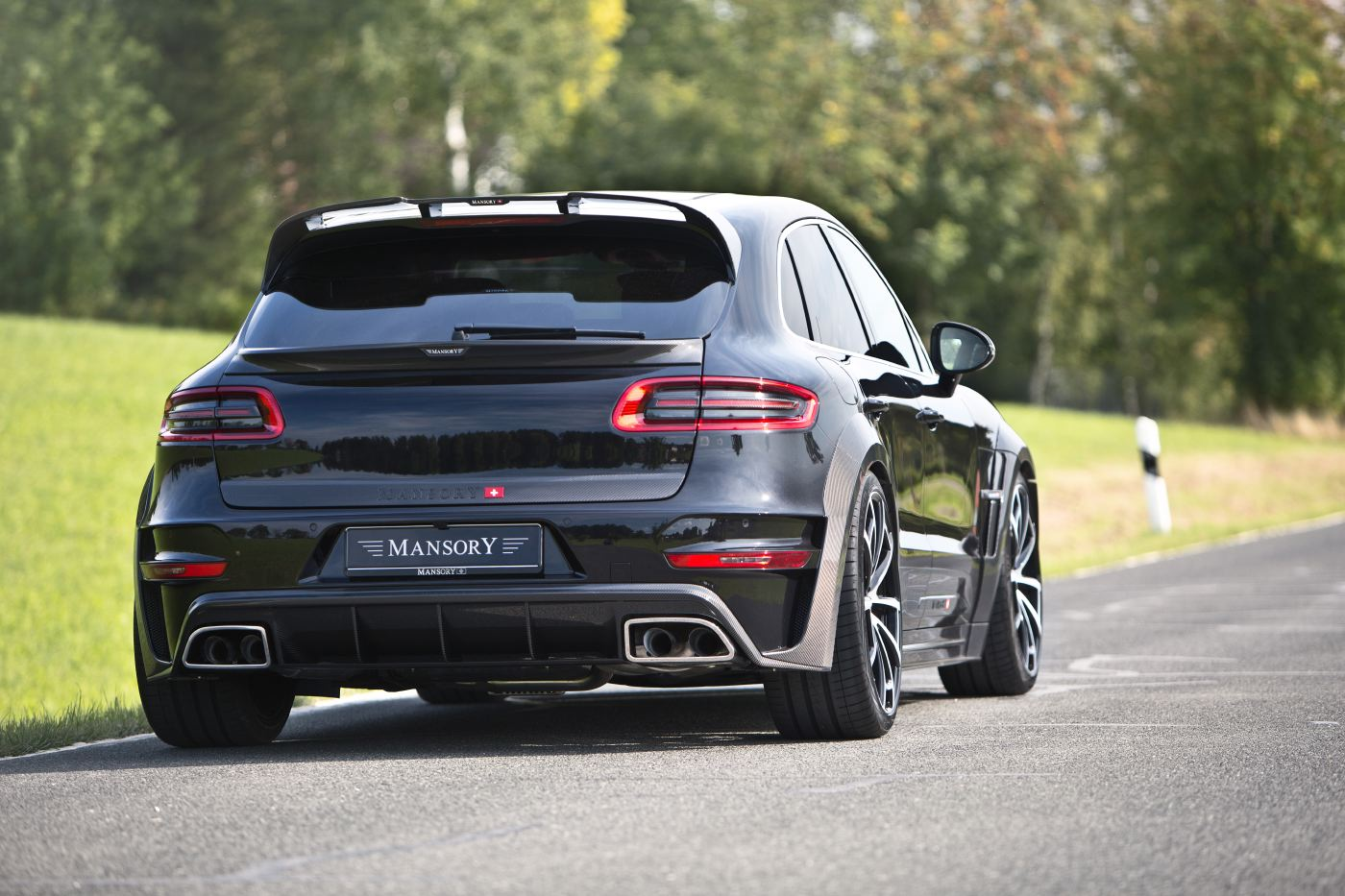 mansory porsche macan receives fresh upgrades gtspirit. Black Bedroom Furniture Sets. Home Design Ideas