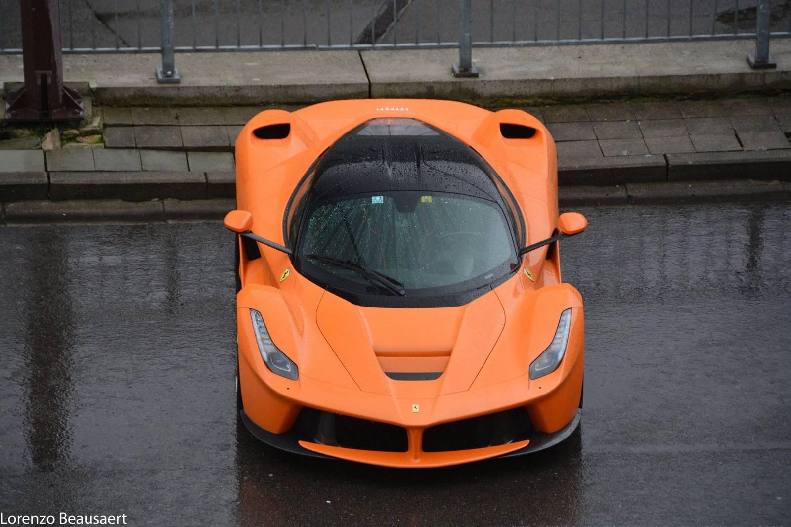 Orange LaFerrari (2)