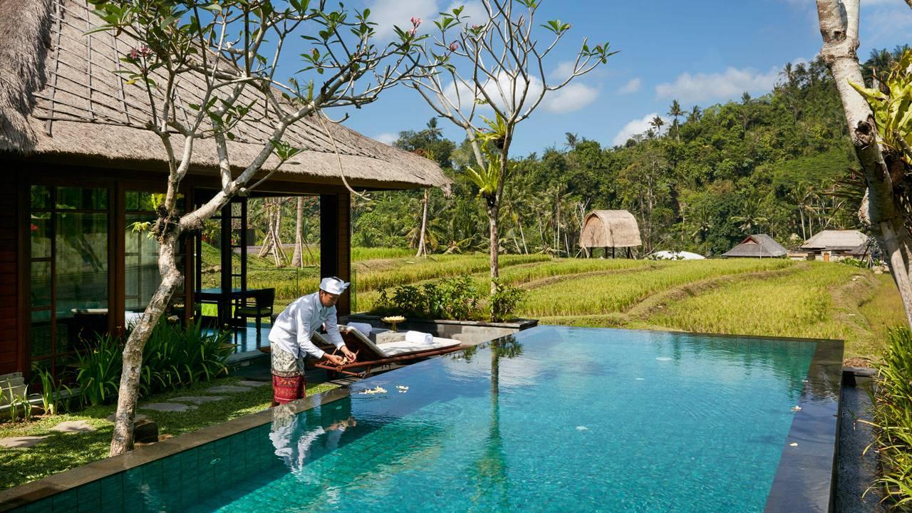 Ritz carlton mandapa hotel opens in bali gtspirit for Pool design bali