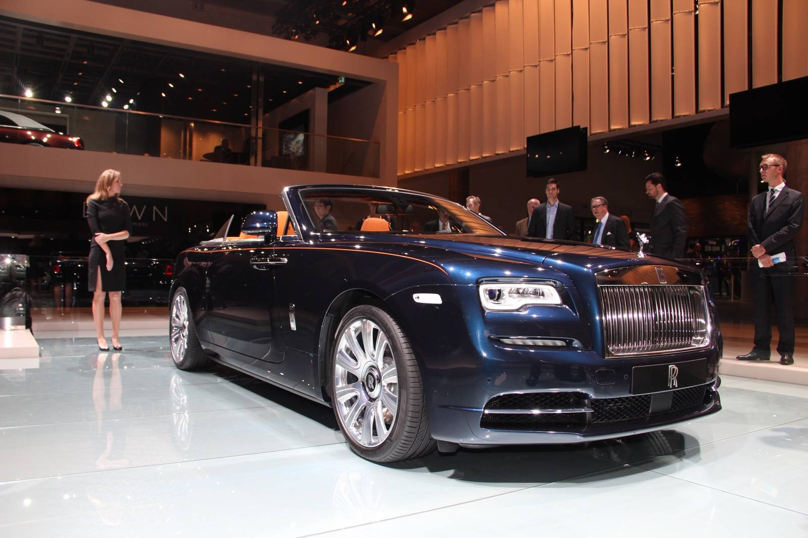 frankfurt 2015 rolls royce dawn gtspirit. Black Bedroom Furniture Sets. Home Design Ideas