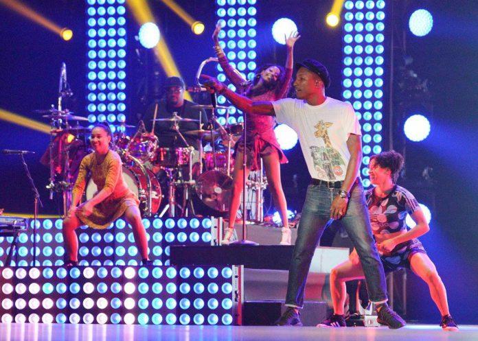 William Pharrell performing at Singapore Grand Prix 2015