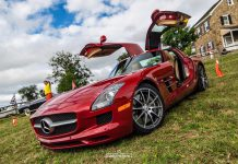 Mercedes-Benz SLS AMG doors up