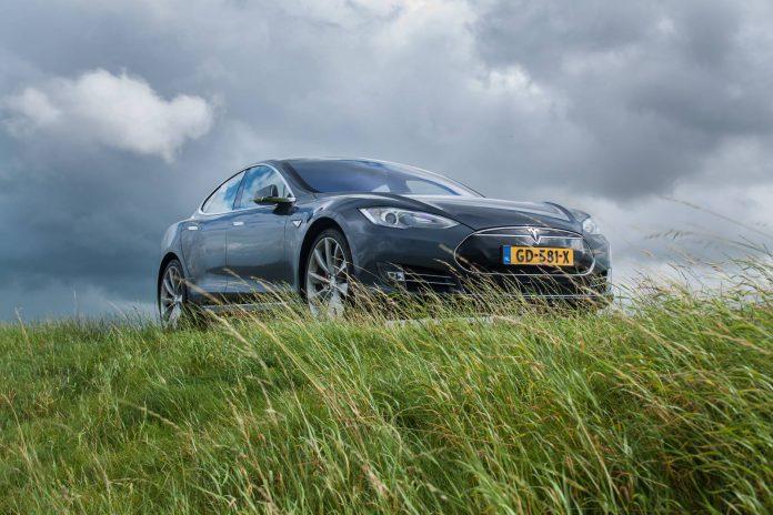 Blue Tesla Model S P85D