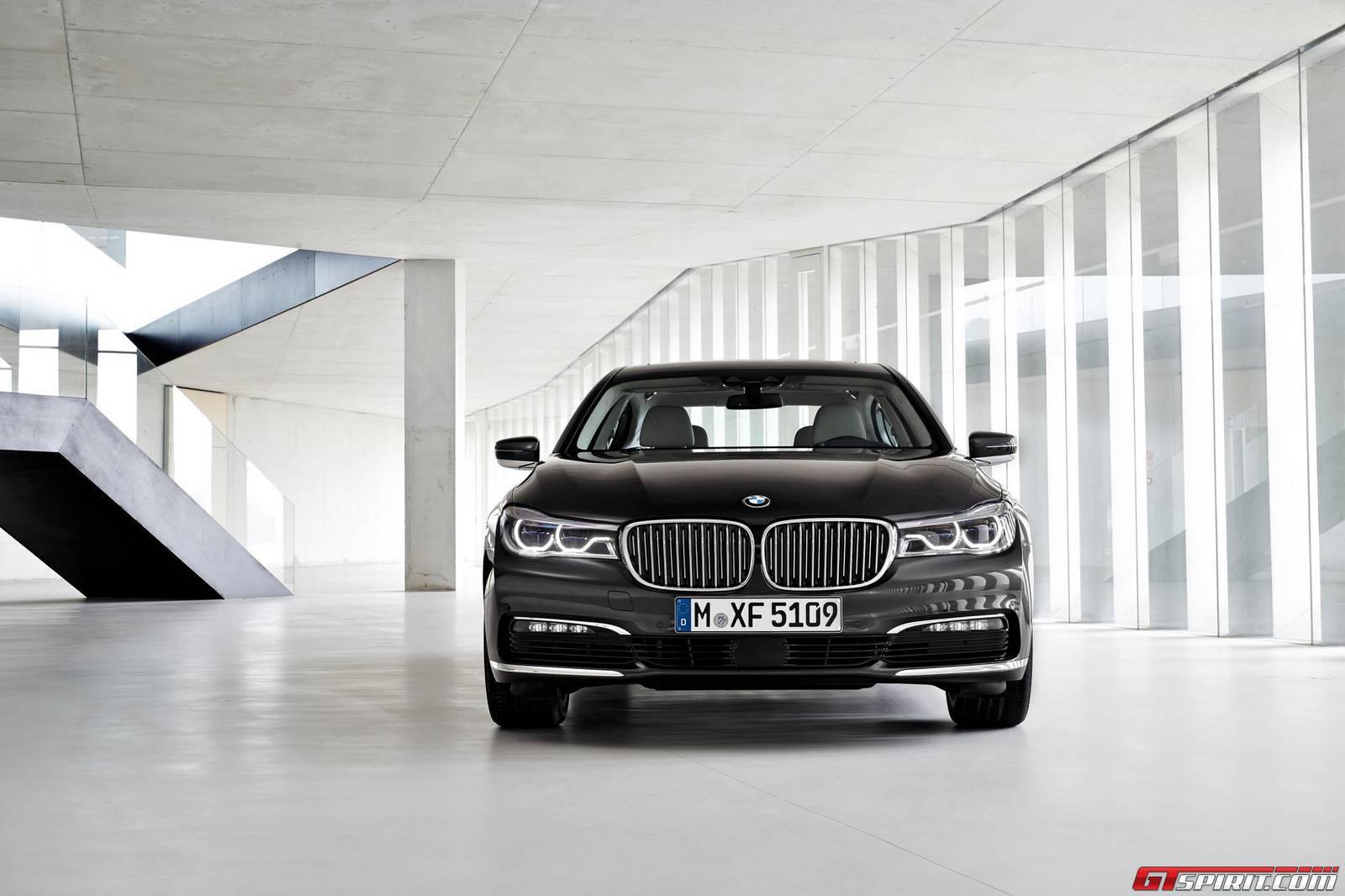 BMW 760Li getting Rolls-Royce V12