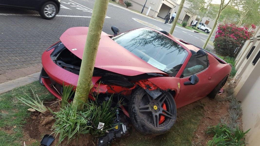 Ferrari 458 Spider crash in South Africa