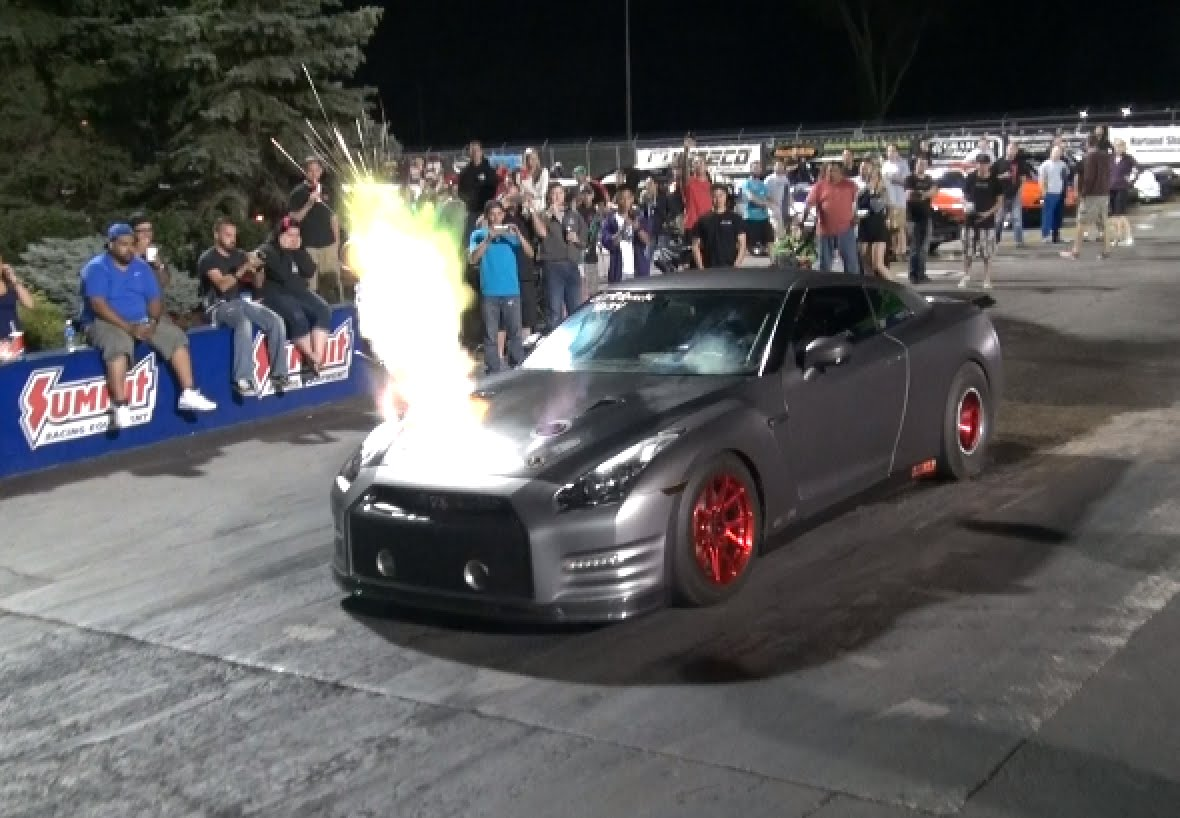 Video: Insane 2100hp Nissan GT-R Spits Flames From Bonnet ...