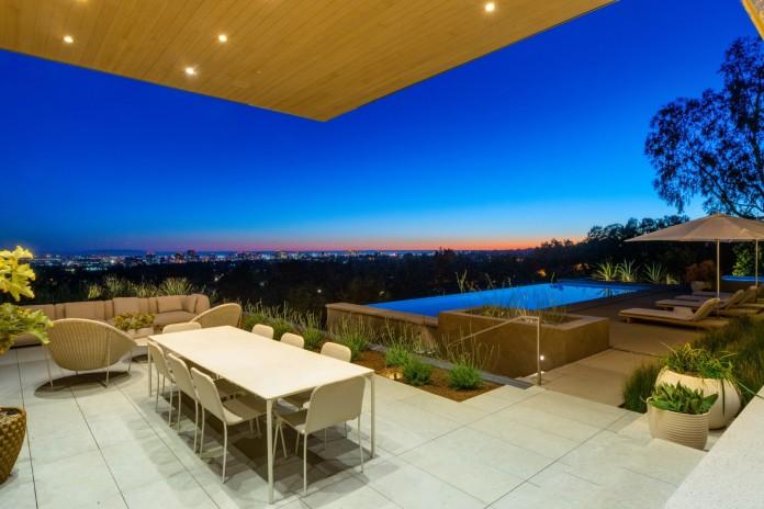 $24.5 million Beverly Hills mansion pool