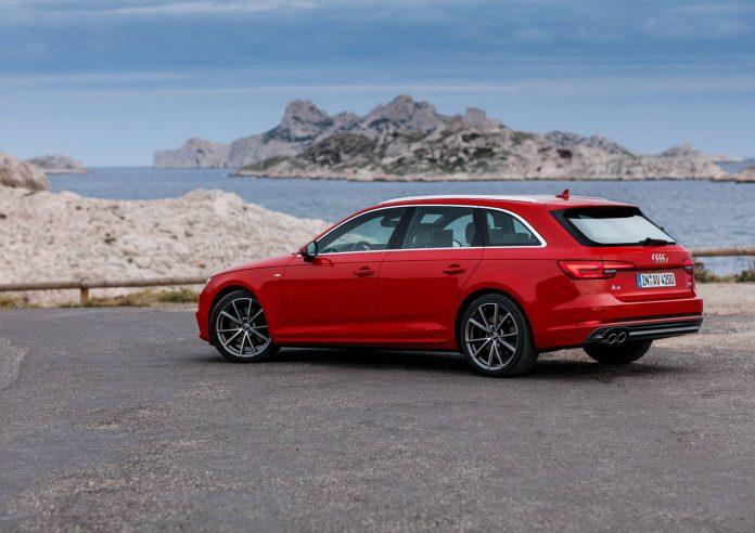 Audi A4 Avant 2016 rear view