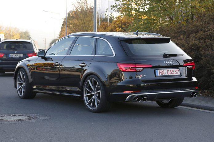 2018 Audi RS4 rear