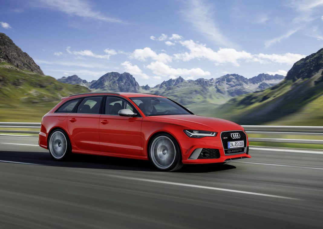 Red Audi RS 6 Avant performance