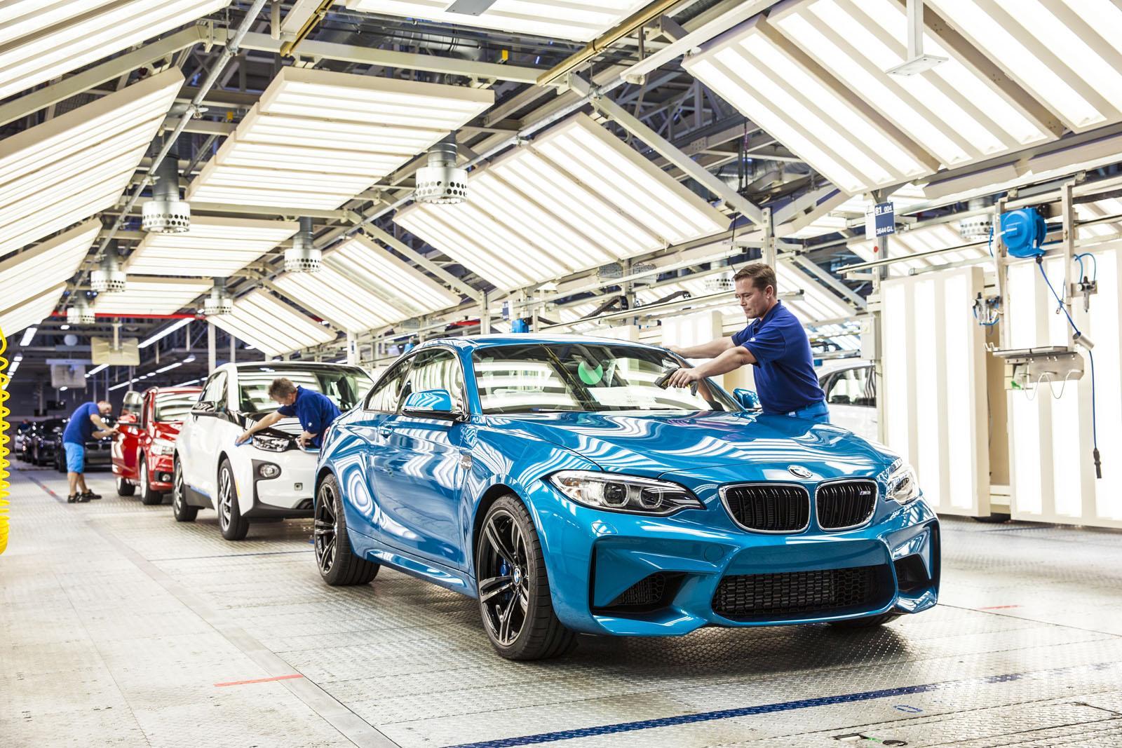 BMW M2 production factory
