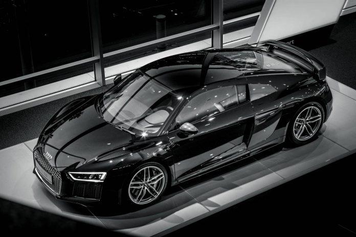 Black 2016 Audi R8  V10
