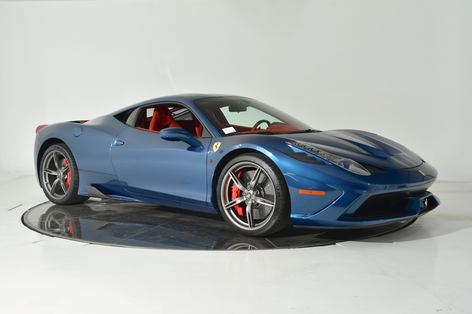 blue ferrari 458 speciale for sale gtspirit. Black Bedroom Furniture Sets. Home Design Ideas