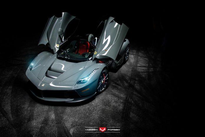 Grigio Medio Ferrari LaFerrari