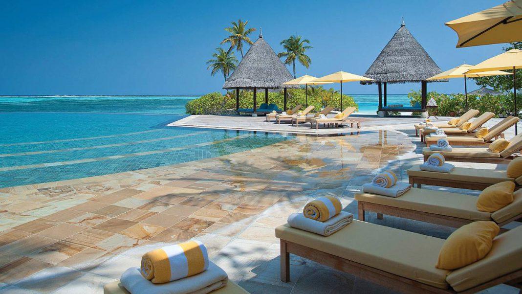 Four Seasons Resort Maldives Kuda Huraa Sea View