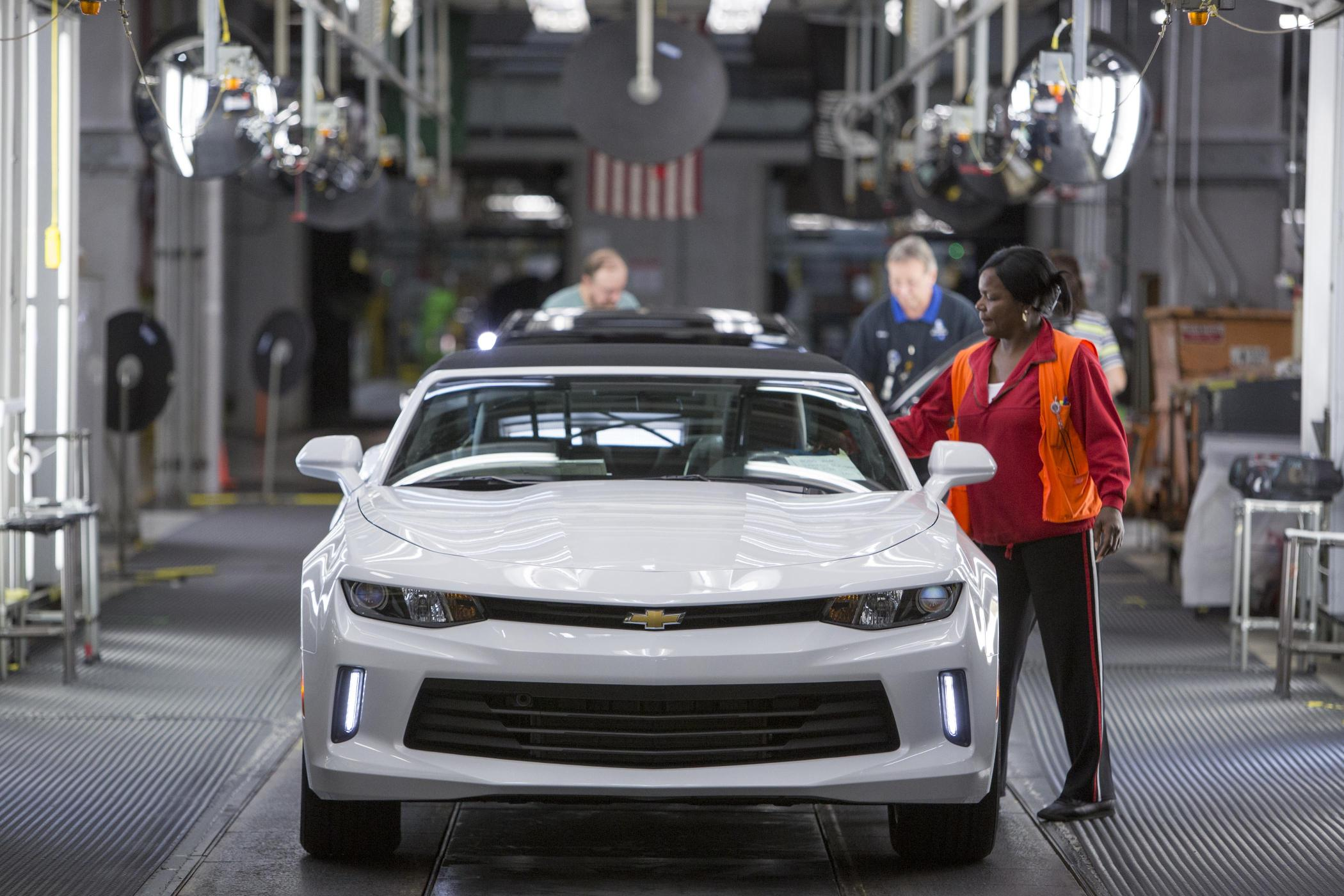 First Batch Of 2016 Chevrolet Camaro Leaves The Factory