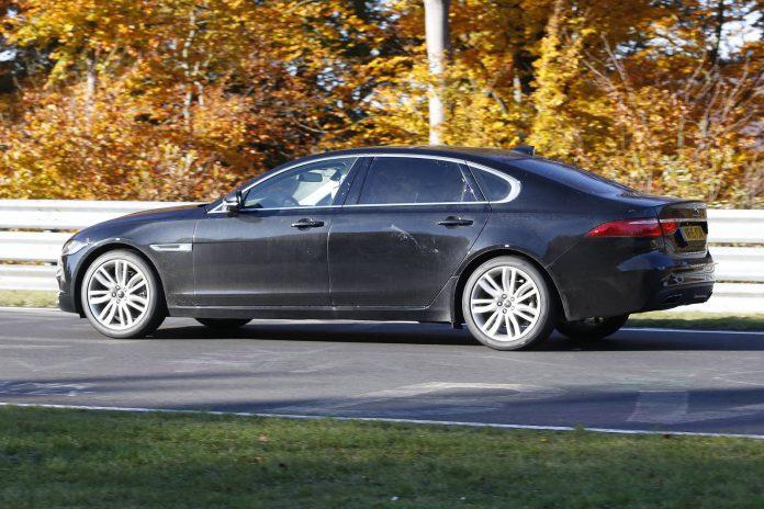 Jaguar XF L side