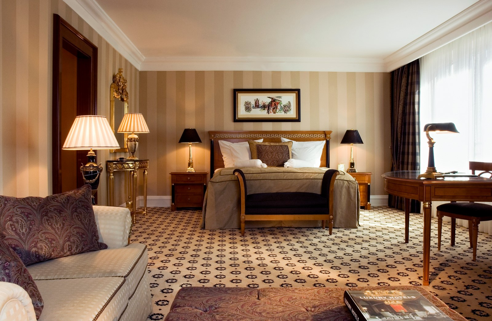 the ritz carlton berlin hotel review gtspirit. Black Bedroom Furniture Sets. Home Design Ideas
