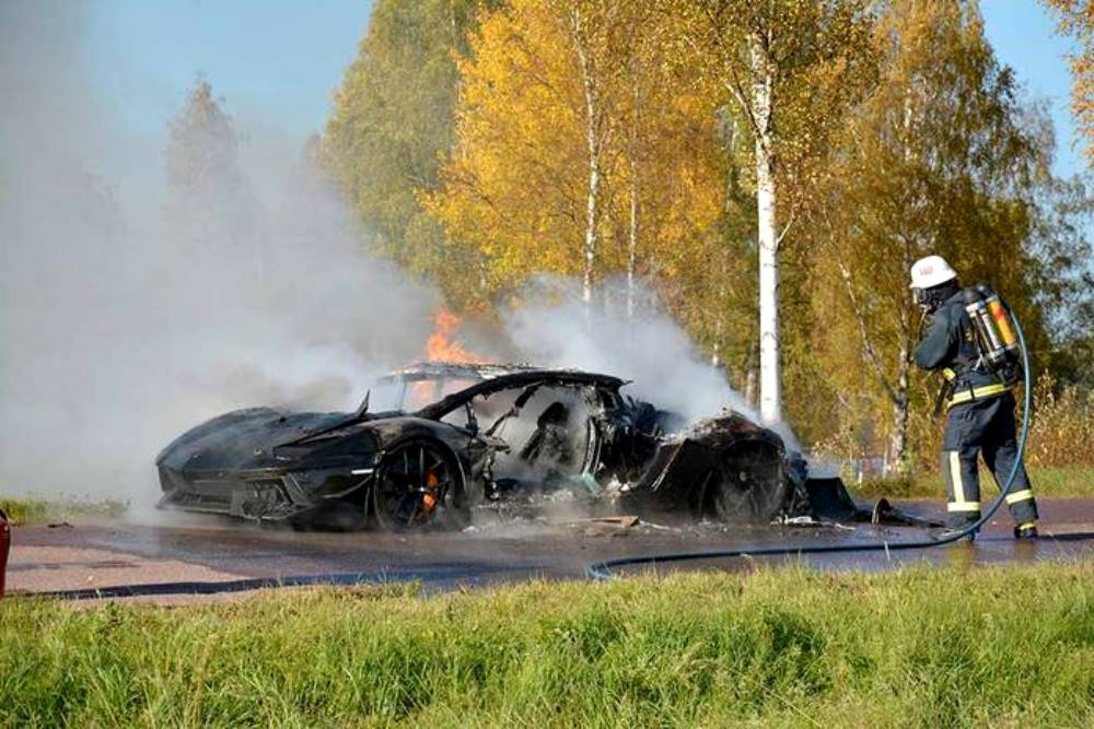One Off Lamborghini Aventador From Sweden Destroyed By Fire Gtspirit