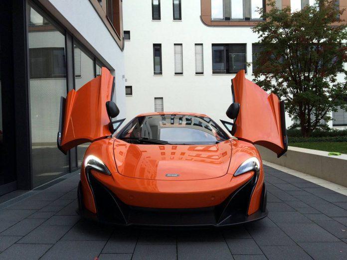 Orange McLaren 675LT