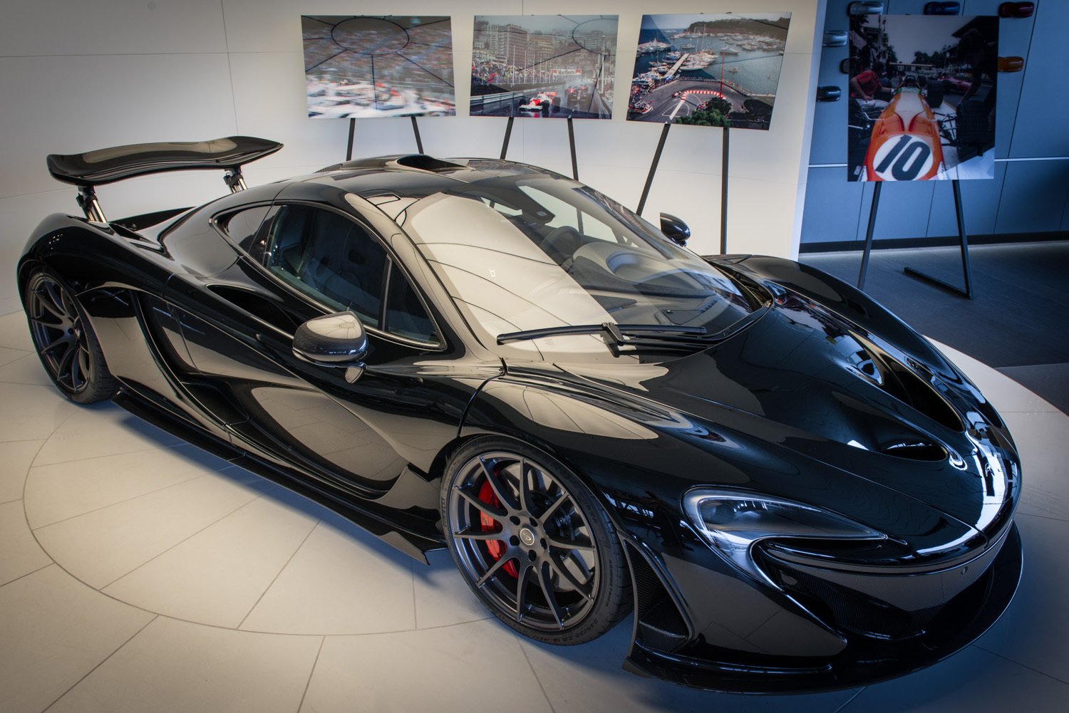 gloss black mclaren p1 for sale in germany gtspirit. Black Bedroom Furniture Sets. Home Design Ideas