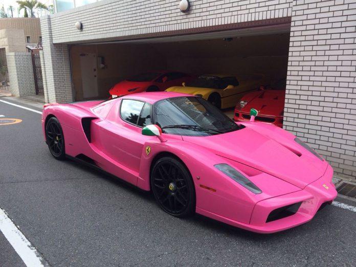 Pink ferrari enzo in japan