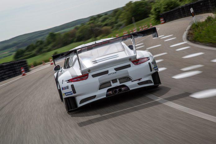 Porsche 911 GT3 R rear