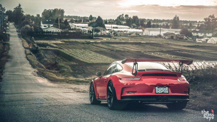 Porsche 911 GT3 RS photoshoot rear